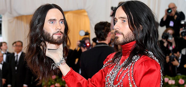 Jared Leto and his head at the 2019 Met Gala. (Photo: Getty Images)