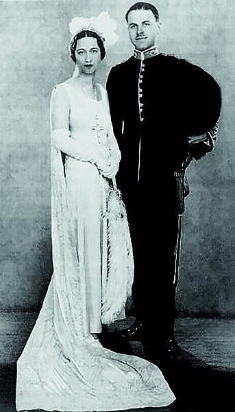 Wallis en haar tweede man, Ernest Simpson. Foto: G