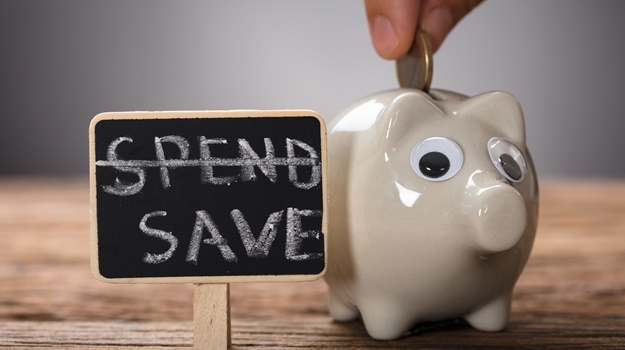 Consumers who reduce their savings due to the impact of the 1 percentage point VAT increase will lose out on compound interest, notes an expert.