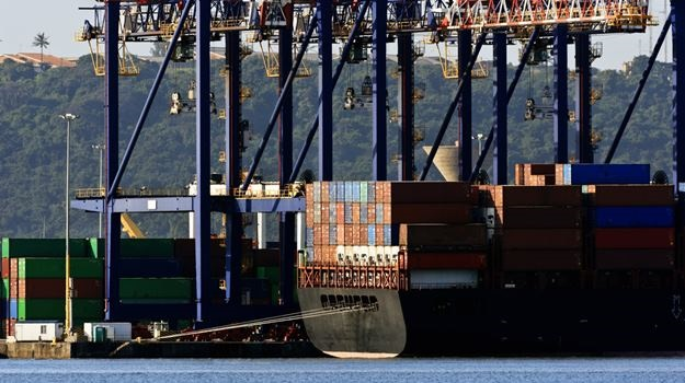 Lockdown halves Transnet Ports activity as importers scramble for rebates