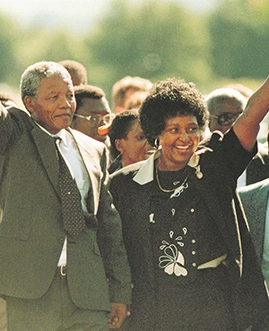 Nelson Mandela with Winnie Mandela as he is released from the Victor Vester PrisonPHOTO: Graeme Williams / South Photographs