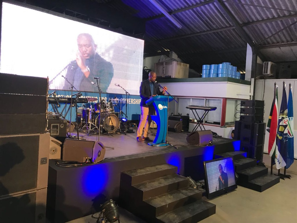 DA leader Mmusi Maimane addressing farmworkers in Wellington on Workers' Day. Picture: @Our_da/twitter