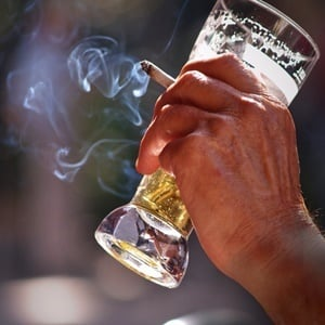 study shows alcohol tobacco cause more health harm than illegal