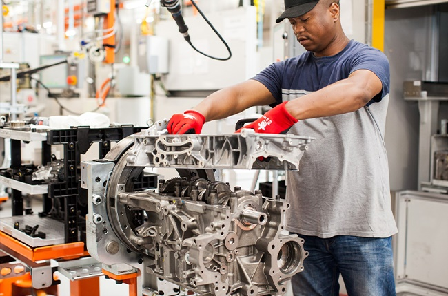 Technician at Ford South Africa (QuickPic)