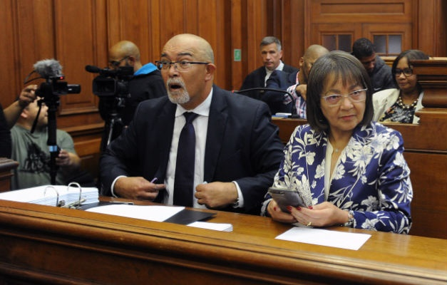 Patricia de Lille chats with her legal representat