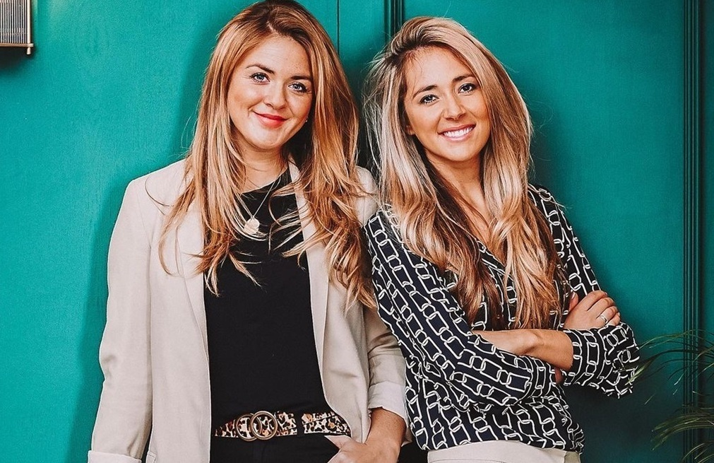 Sisters, Jess and Lou, created SoSyncd, a dating app that matches personality types. Photo courtesy @SoSyncd via Instagram