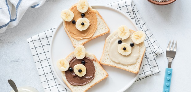 artsy slices of bread using banana