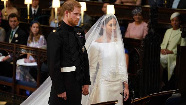 meghan markle,prince harry,altar,wedding dress