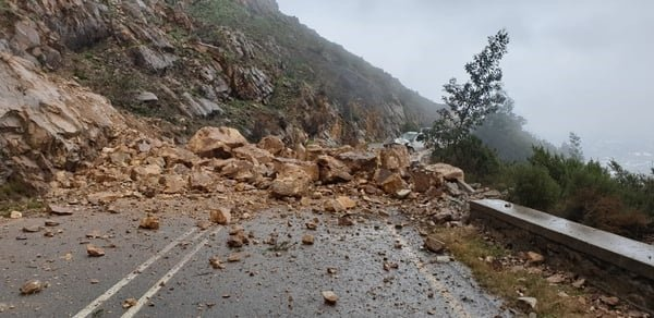 A picture taken by motorist Maki Chase following a rock fall on Franschhoek Pass. (Supplied)