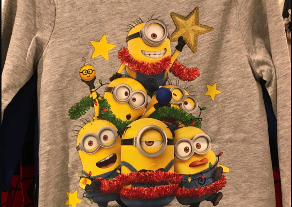 523592cd The T-shirt at H&M South Africa with the minions dressed in Christmas  decorations (Twitter: @Delphine_DG)