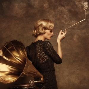 1 Girl One Cigarette
