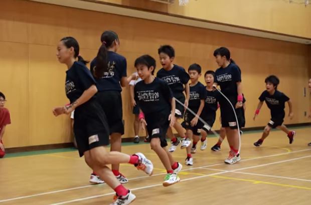 Meet E-Jump Fuji, the Japanese squad who have just broken the world record for the most skips over a single rope in one minute by a team.