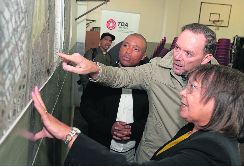 Mayor of Cape Town, Patricia de Lille, and Mayco member for transport and urban development, Brett Herron, visited Dunoon on Thursday last week where they discussed future developments for the area. PHOTO: city of cape town