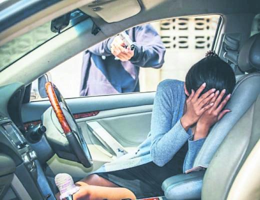 120716w Beeld Nuus A motorist sustained three stab