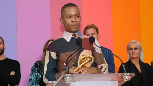 Thebe Magugu accepts his LVMH Prize at Fondation Louis Vuitton