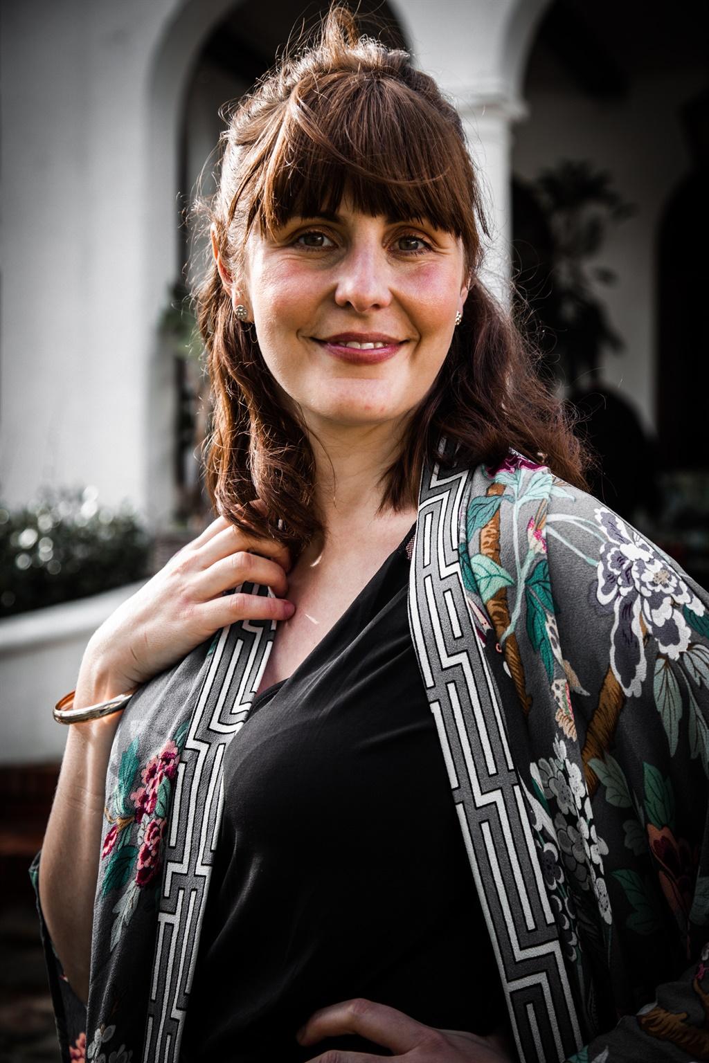 Roeline Daneel as Mitzi Schoeman