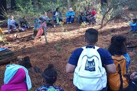 How one woman is using hiking to 'keep the kidz sa