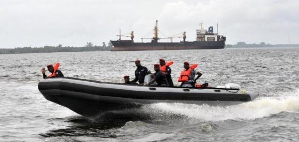 lagos marine police rescue 3 from boat mishap