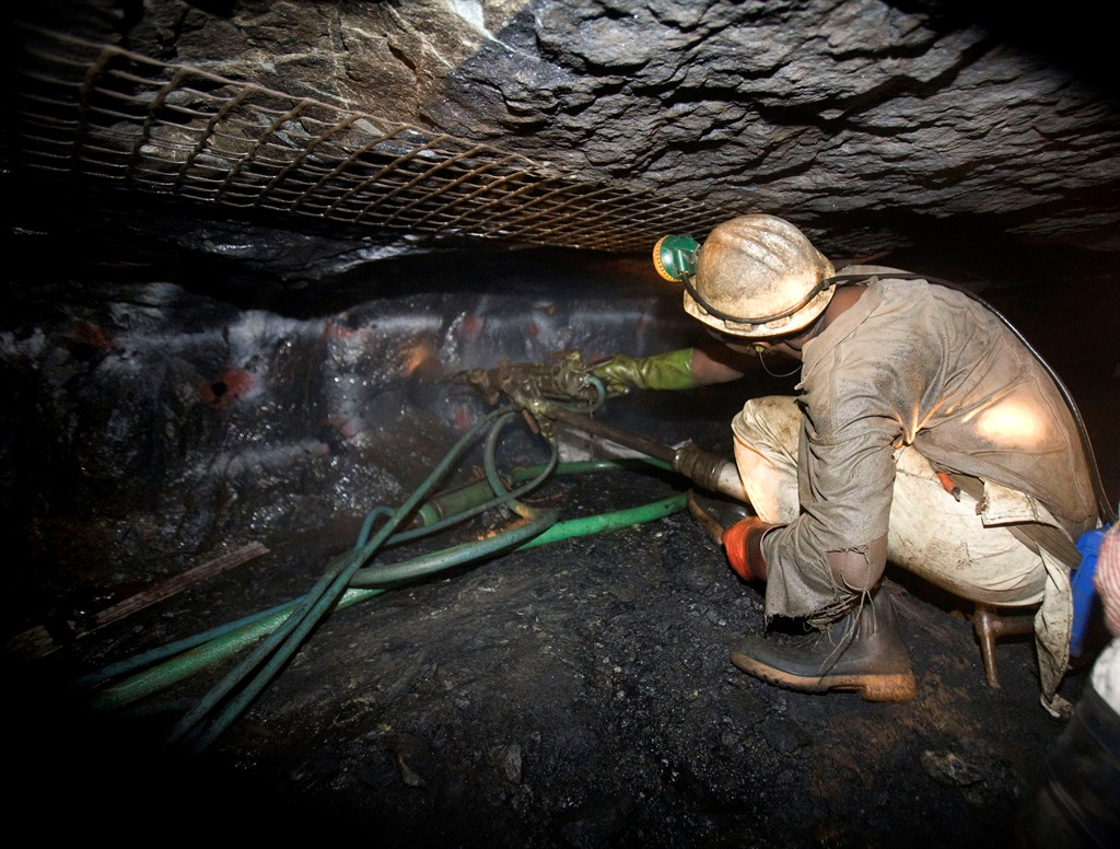 In its latest figures, the Mineral Council SA has revealed that the mining industry has recorded 572 Covid-19 cases. Picture: Nadine Hutton/Bloomberg News