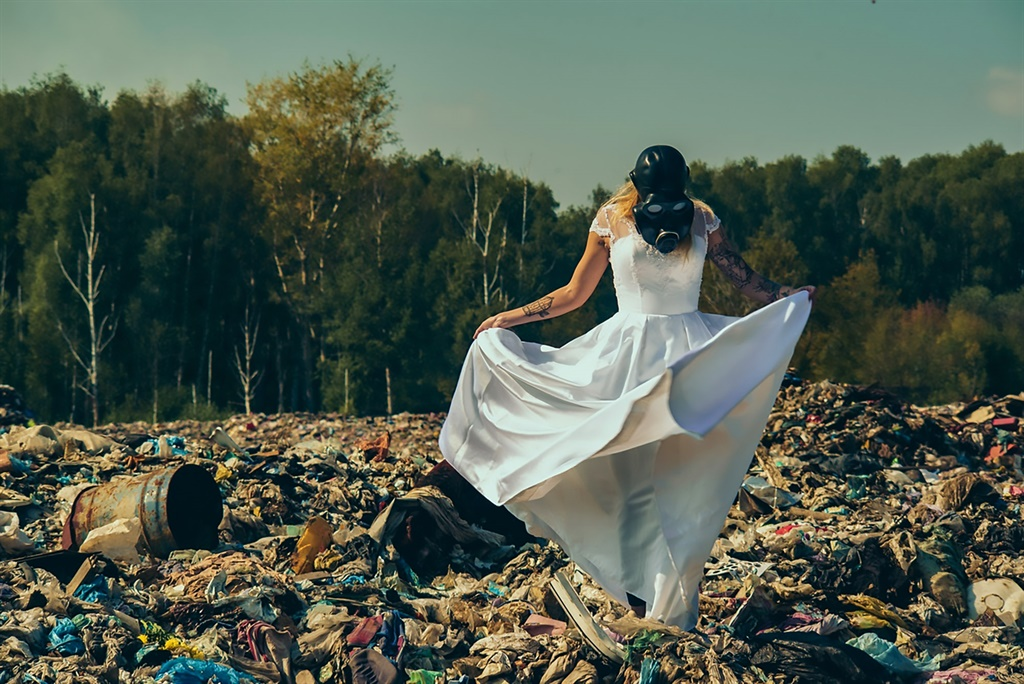 A couple staged their wedding shoot in gas masks a