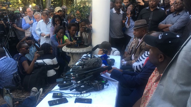 Chamisa addressing journalists (Carien du Plessis)<br />