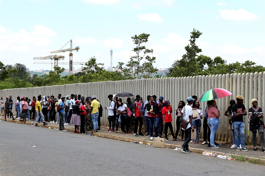 Hundreds of people lined up outside the University of Johannesburg on 08 January 2018. Picture: File