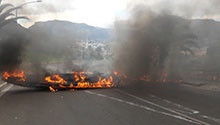WATCH: Hout Bay rioters block roads, torch factory over fisherman's death