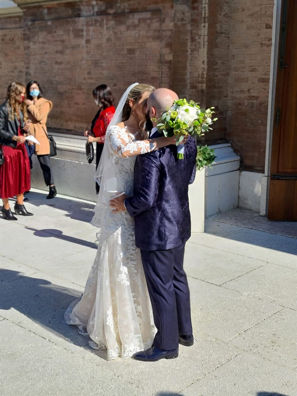 newly weds, wedding, italy, covid restrictions, mi