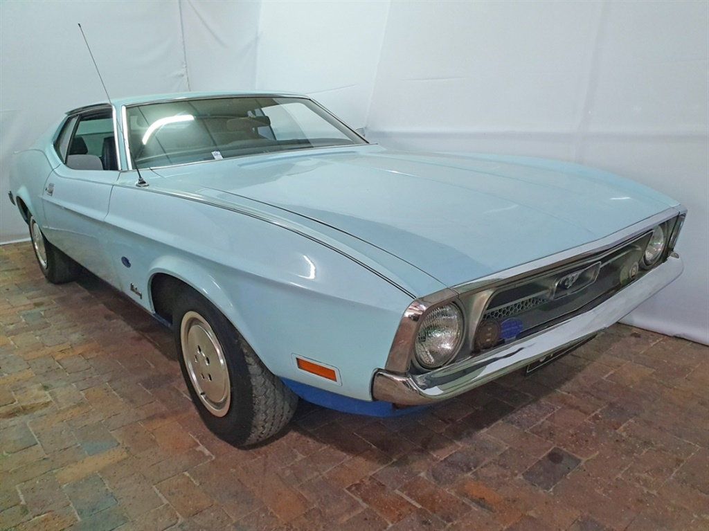 Rare Vintage Cars For Sale Mustang Impala Ponton Bids Open For The Largest Classic Collection In Sa Wheels