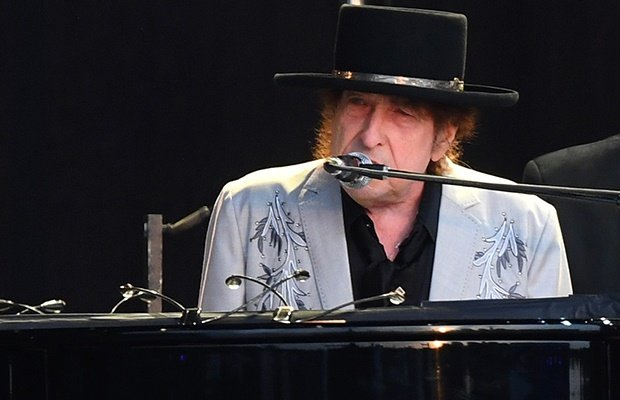 Bob Dylan performs as part of a double bill with Neil Young at Hyde Park. (Getty Images)