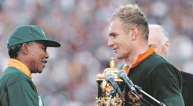 Nelson Mandela and Francois Pienaar (Gallo Images)