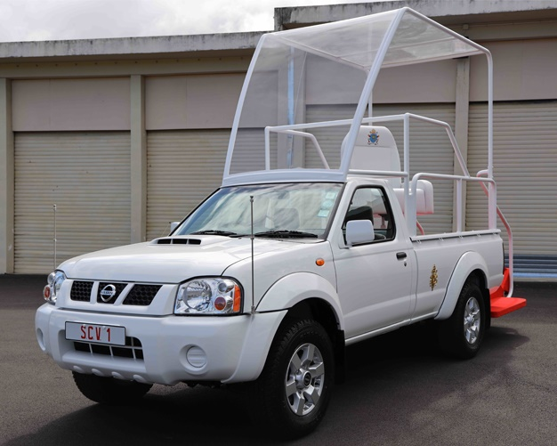 nissan np300,pope,