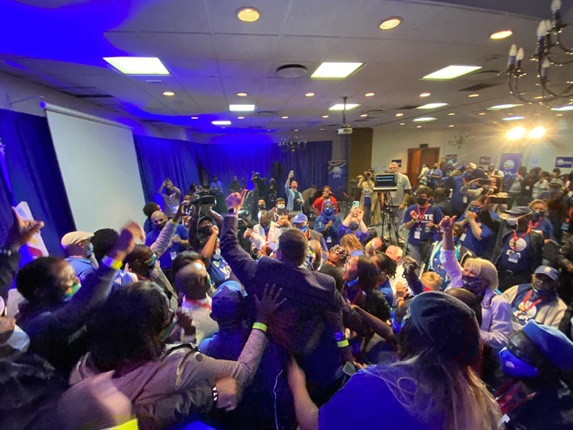 """<strong>Steenhuisen has delivered an acceptance speech from Durban</strong><br /><br />The new leader says he got into politics because """"I love my party and I love my country"""".<br /><br />He said: """"I'm here to take the DA to newer heights. Today I stand before you even more energised than I was 21 years ago. Our country is in serious trouble and the stakes have never been higher. I see despair in our country.<br /><br />""""As we journey through life, many of us don't lift our heads to see the horizon. How is it that this nation of hard-working people don't see prosperity.""""<br /><br />He said the public has been """"robbed of our destiny"""", and labelled the state as """"corrupt"""" and """"hell-bent on telling you what to do.""""<br /><br />""""The incapable state is in the way of you getting ahead. Their solution is even more state control... the government wants to own you. The good news is the people of SA are starting to reject state control.""""<br /><br />He says the DA under his leadership will """"offer people-power, not state-power.""""<br /><br />""""We are going to take power from the state and put it in the hands of the people, where it belongs.""""<br /><br />He says he's travelled a long road in the DA, including exposing corruption, holding presidents accountable, """"but never in my imagination did I think I would be leader of this great party.""""<br /><br />He says the DA has grown to be a party that will one day that will one day """"unlock the boundless potential of our country.""""<br /><br />He thanked every delegate and members of his campaign team. """"I am deeply humbled by your support.""""<br /><br />He paid tribute to fellow frontrunner Mbali Ntuli, saying she fought him every step of the way. """"We choose leaders on the basis of their ideas and content of their character,"""" he said.&nbsp;"""