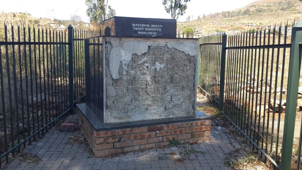 News24.com | Top historian slams 'arrogant nationalists' for neglect of monument to killed miners in Mpumalanga