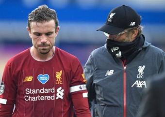 Liverpool's Jordan Henderson to lift Premier League trophy despite season-ending injury