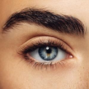 Image a woman's eye