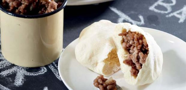 Pitta bread stuffed with savory mince (PHOTO: Drum