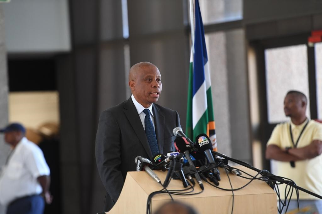 News24.com | FIRST TAKE: Mashaba punches DA in the face, Maimane calls him a hero