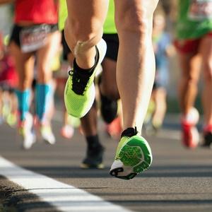feet of runner during marathon