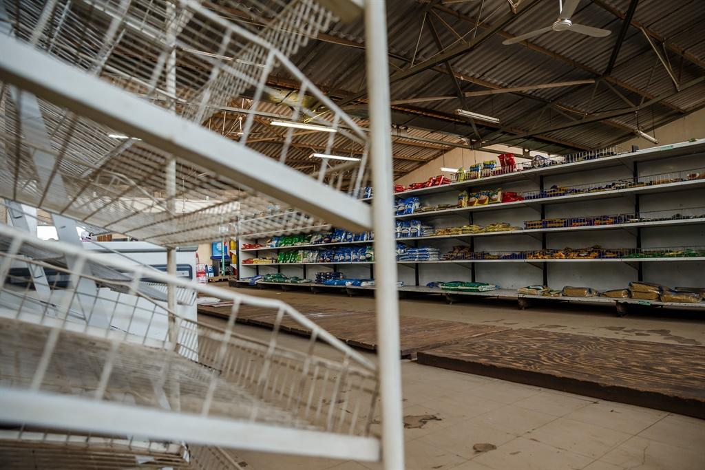 Empty shelves, rationed bread ring alarm bells in Zimbabwe
