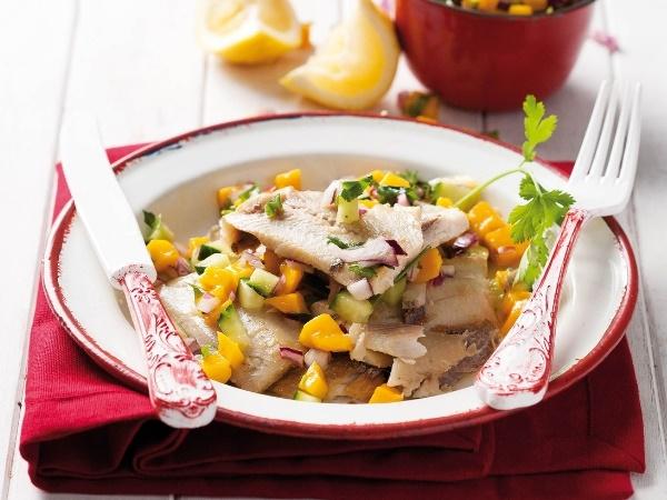 Gebraaide vis met mango-salsa
