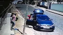 WATCH: Thieves caught on camera making off with stolen goods