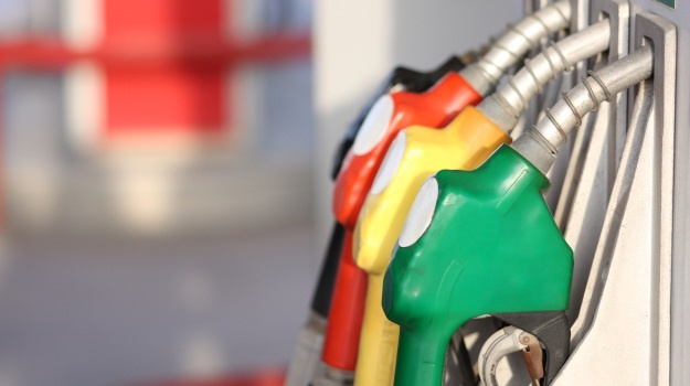 Fuel price set to rise as economy gears up for Level 3 - AA - Fin24