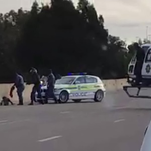 Police arrest a house robbery suspect on the N1 freeway. (Screengrab)