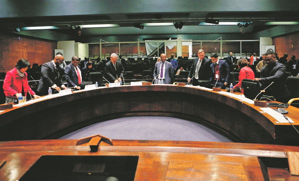 A picture from when former PIC chief executive Dan Matjila (centre) gave evidence during the Commission of Inquiry Into Allegations of Impropriety regarding PIC last year. Picture: Gallo