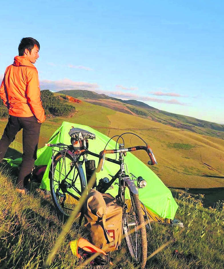 Tetsuya Mizoguchi was not robbed of his gear and camera and will continue his ride through Africa.