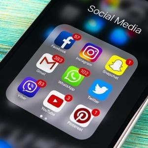Social media helpful to teens essay