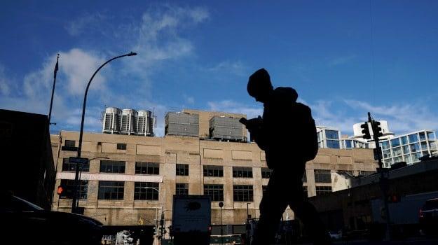 Record 26m Americans seeking jobless benefits