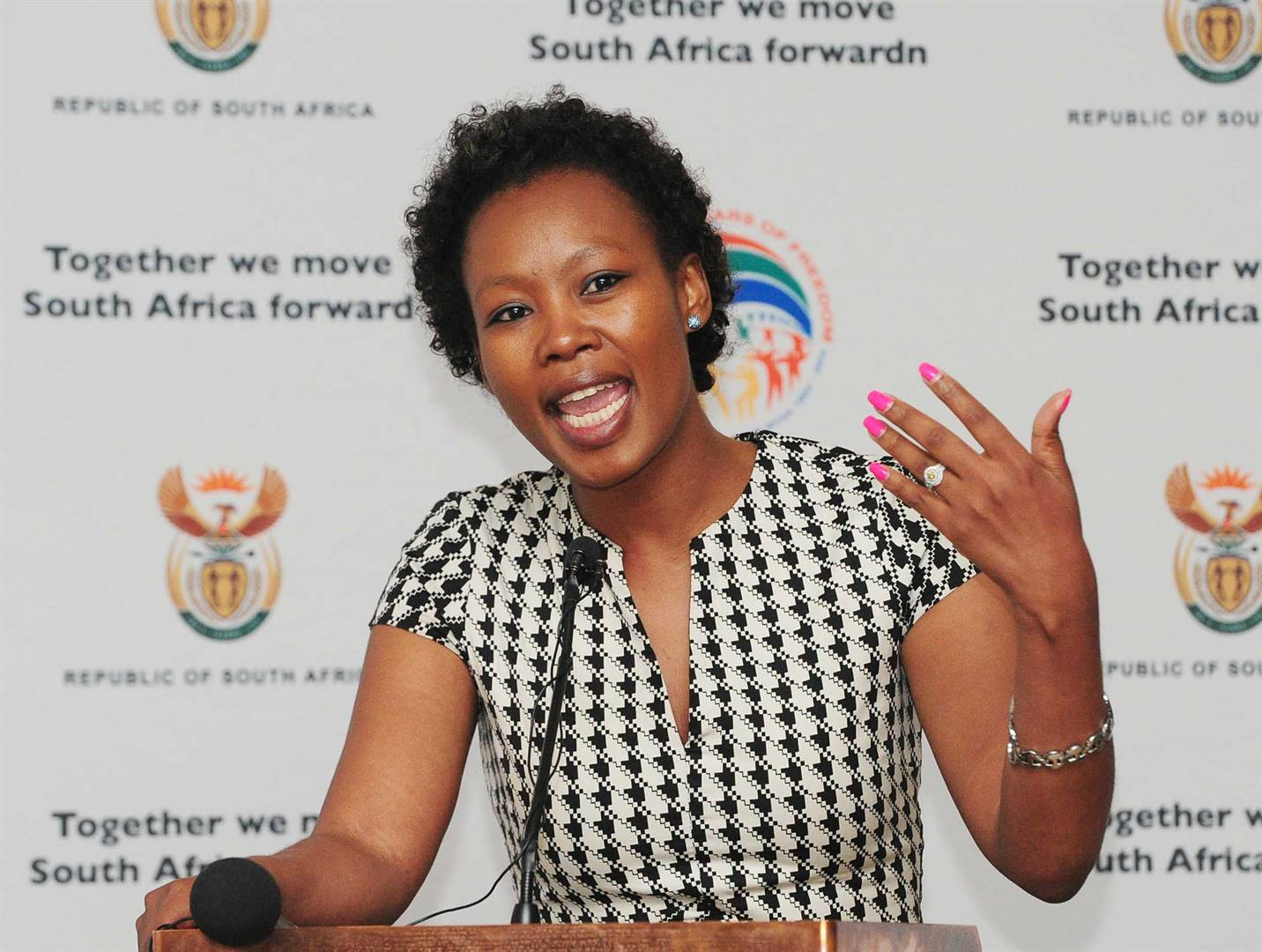 Stella Ndabeni-Abrahams at war with the post office | Citypress - News24