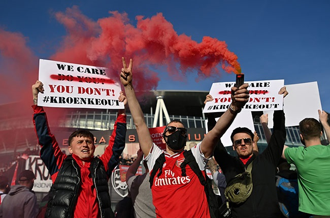 Arsenal fans protest against the European Super League and Owner Stan Kroenke. (Photo by Justin Setterfield/Getty Images)